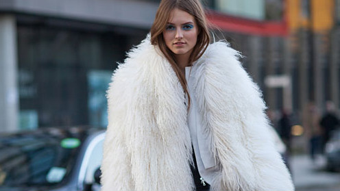 white-fur-coat-street-style